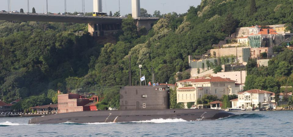 Russian submarine on Bosporus, Turkey in apparent beach of Montreux Agreement