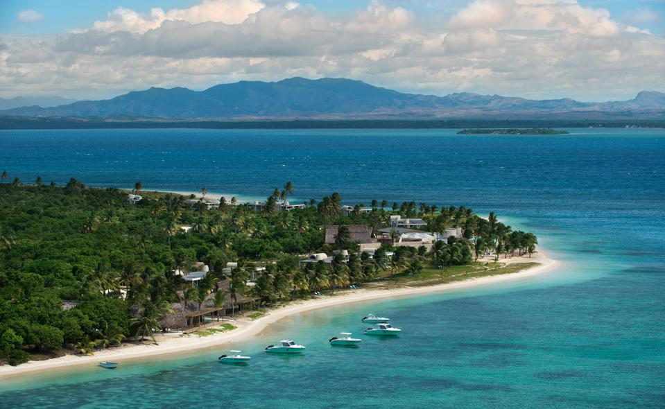 Conservation Africa News - The turquoise water surrounding the resort Time + Tide Miavana in Madagascar.