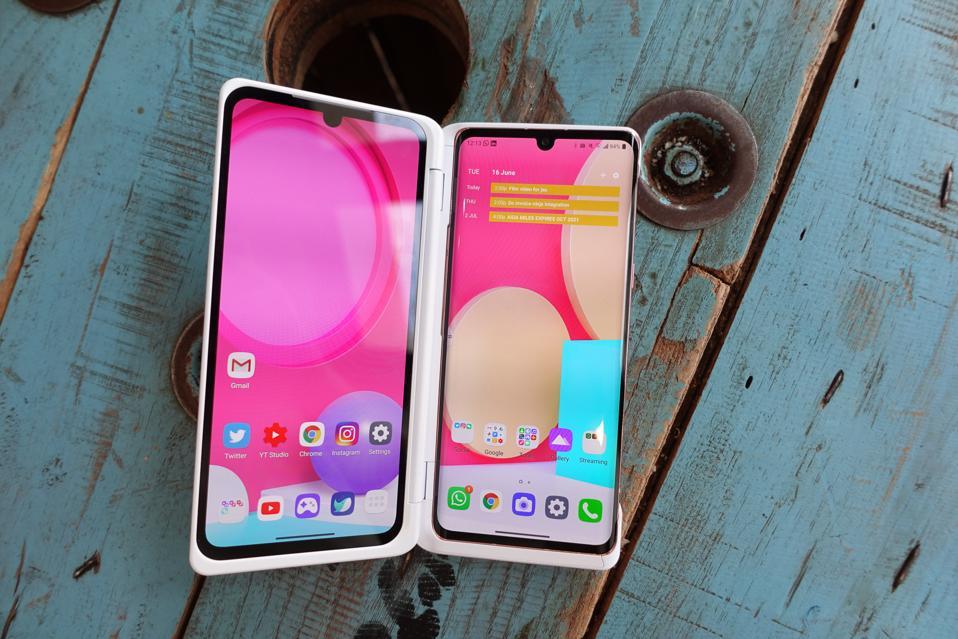 The LG Velvet Dual Screen