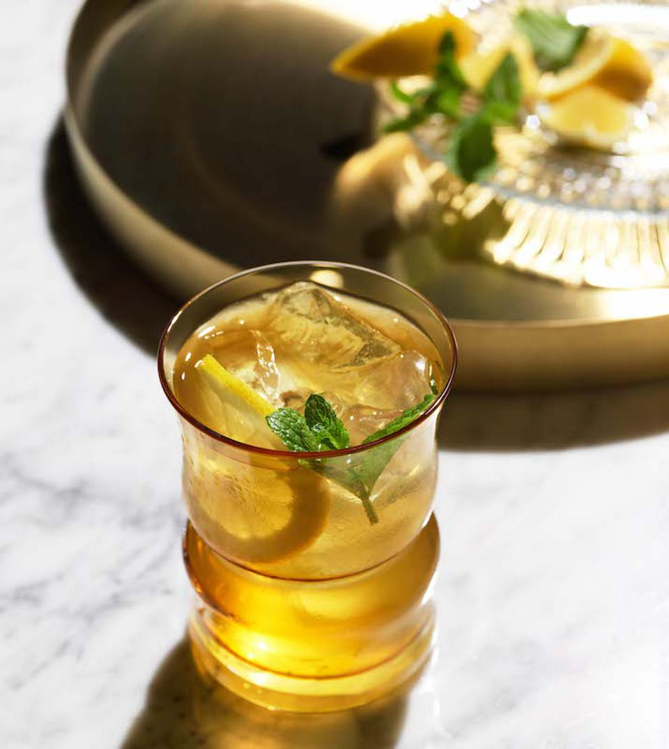 Whiskey Smash_Easy Cocktails for July4th celebrations 2020