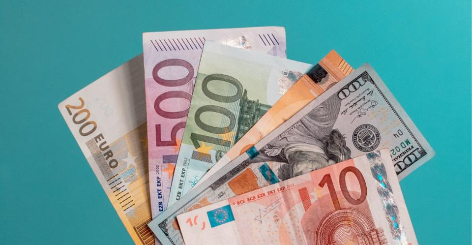 Cash money symbolizing startup investment.