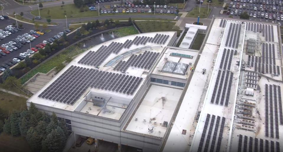 JP Morgan Chase has a 2.8 MW rooftop bifacial photovoltaic installation in Columbus, Ohio