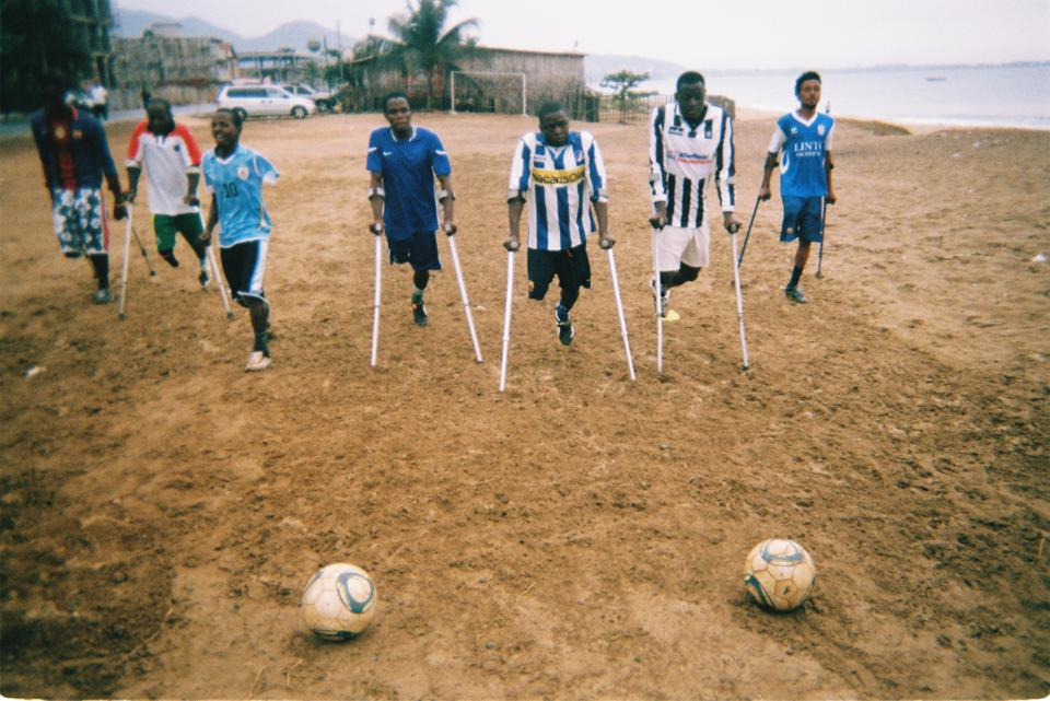Goal Click photos of the Single Leg Amputee Sports Association team in Sierra Leone.