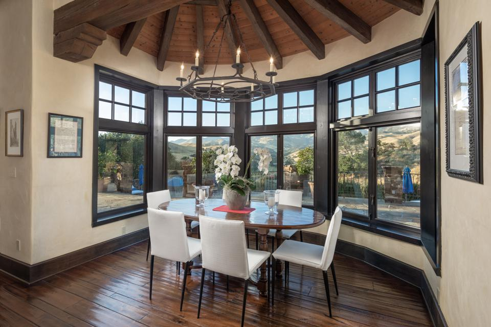 Rancho Latigo, Santa Ynez Valley, California, Compass, breakfast room