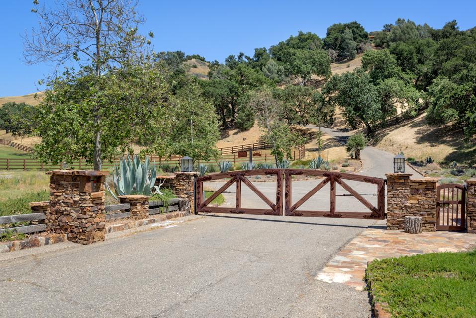 Rancho Latigo entrance