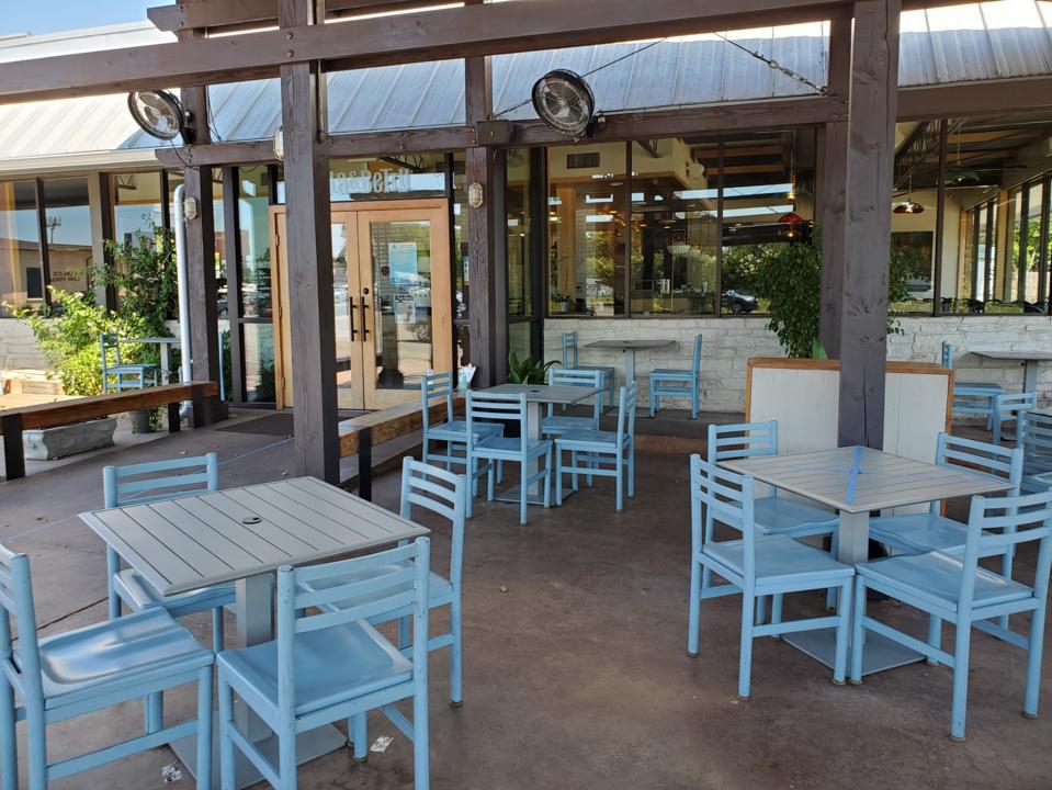Sala & Betty restaurant patio.