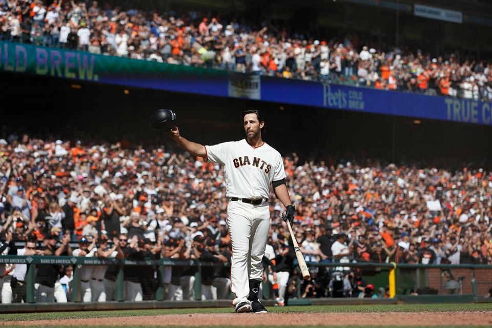 Madison Bumgarner gets a standing ovation from Giants fans.