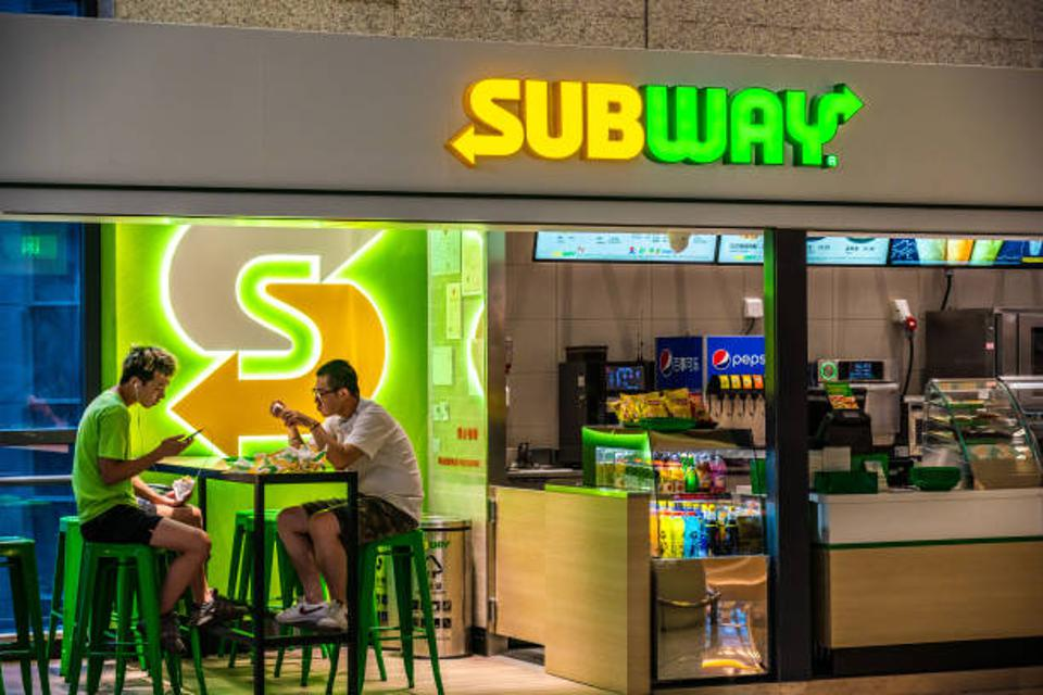 franchise, subway, restaurant, $5 footlong
