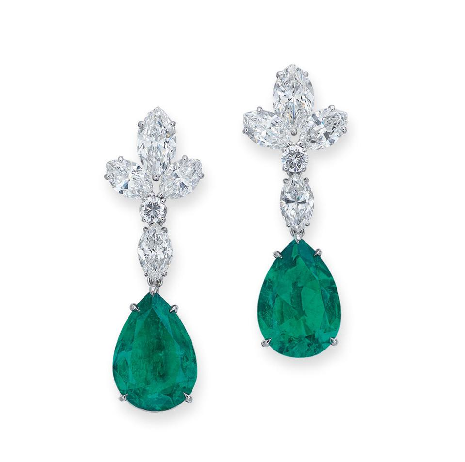 Bulgari earrings with pear-shaped emerald drops attached to diamonds sold for $193,544