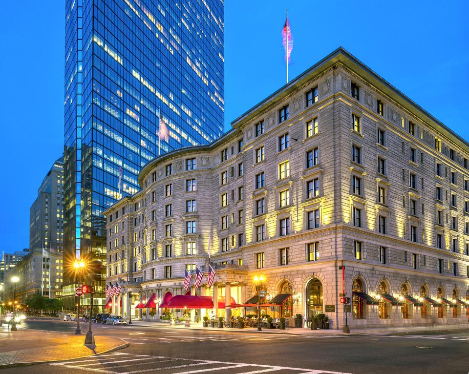 Grander Grandeur: The Palace hotel was rebuilt after the 1906 San Francisco earthquake.