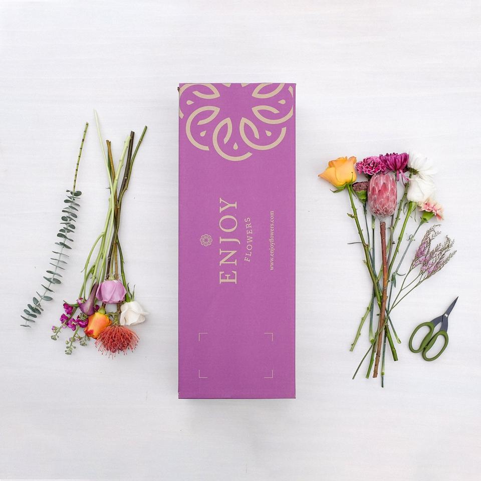 Enjoy flowers subscription box