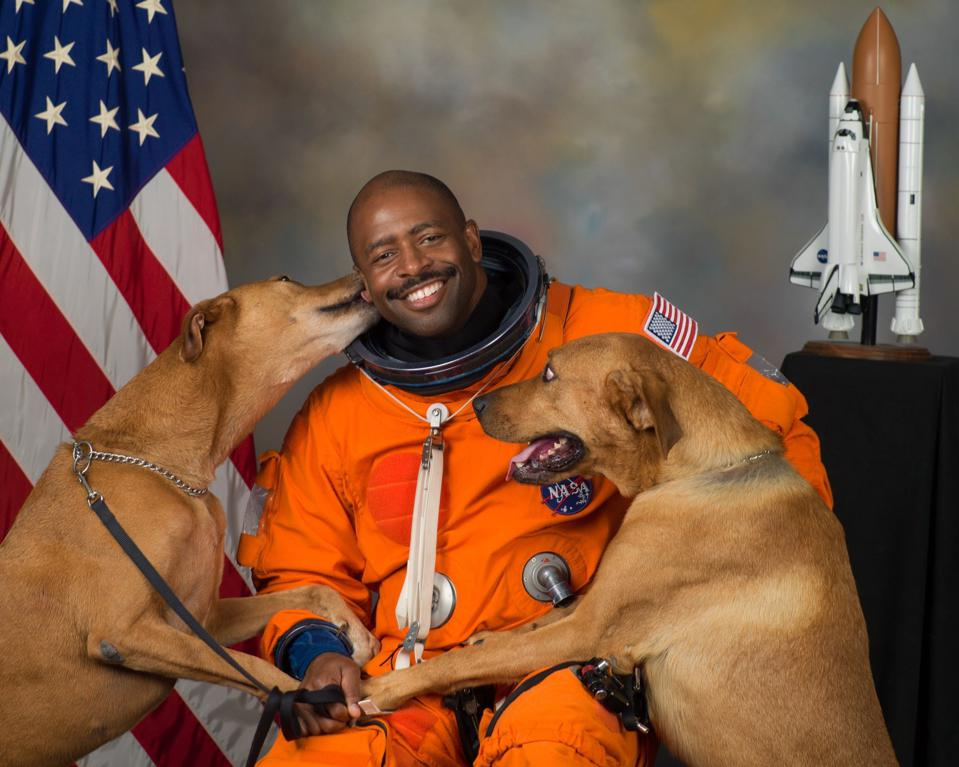 NASA Astronaut Leland Melvin Official Portrait With His Dogs