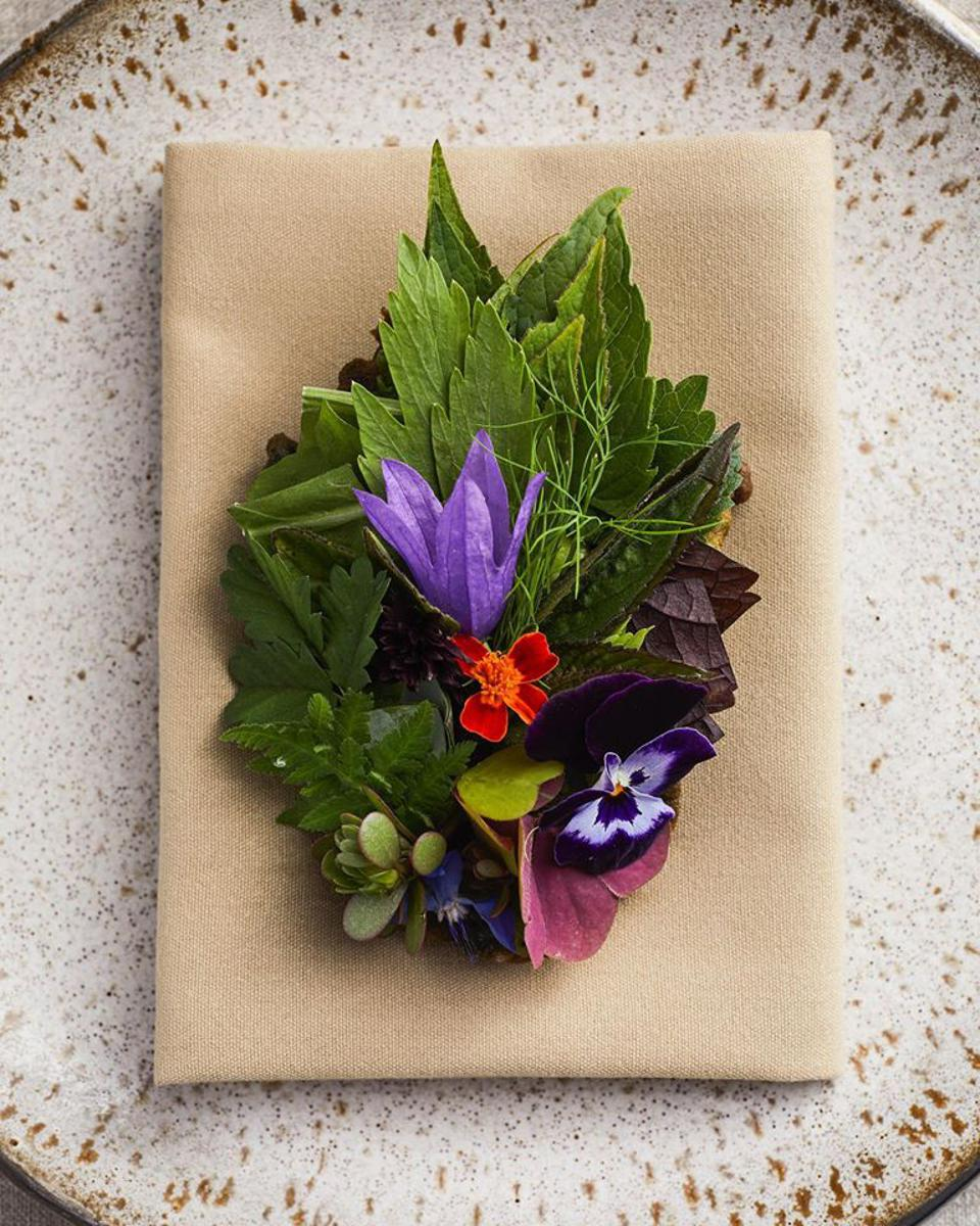 Willows Inn on Lummi Island wants diners to eat their gorgeous salad.