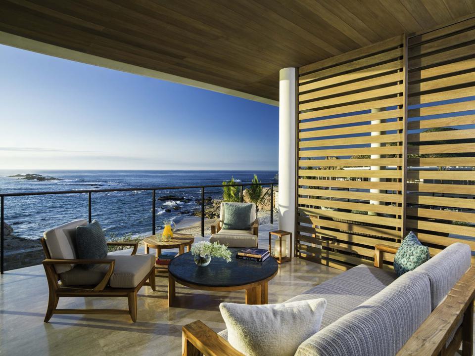 Villa Outdoor Living Room