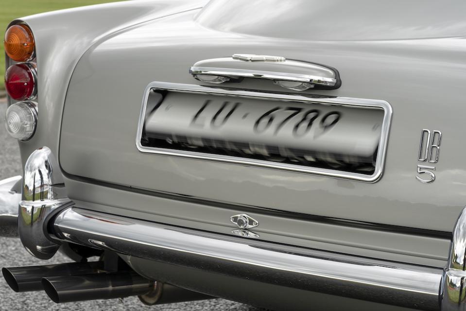 Aston Martin DB5 rotating license plate