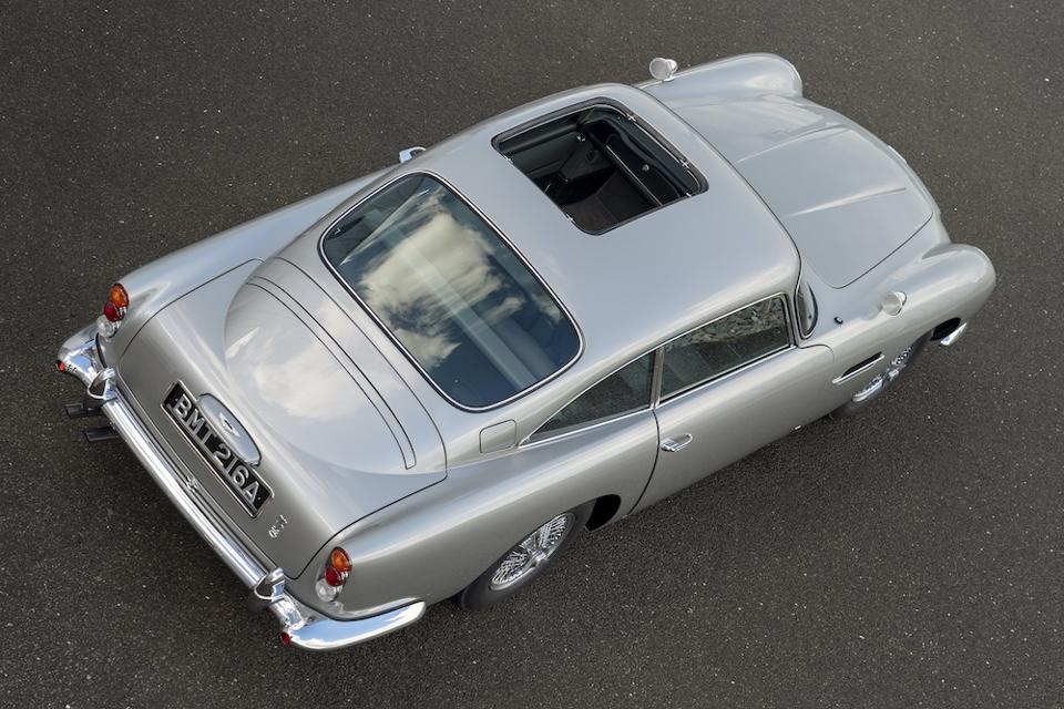 Aston Martin DB5 removable roof panel