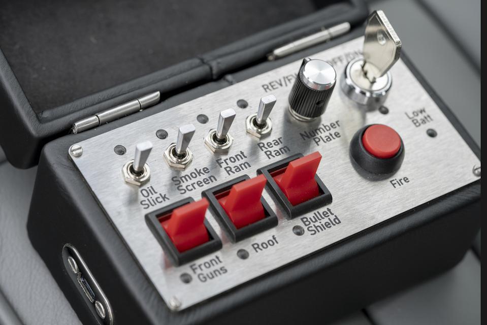 Aston Martin DB5 Continuation remote control