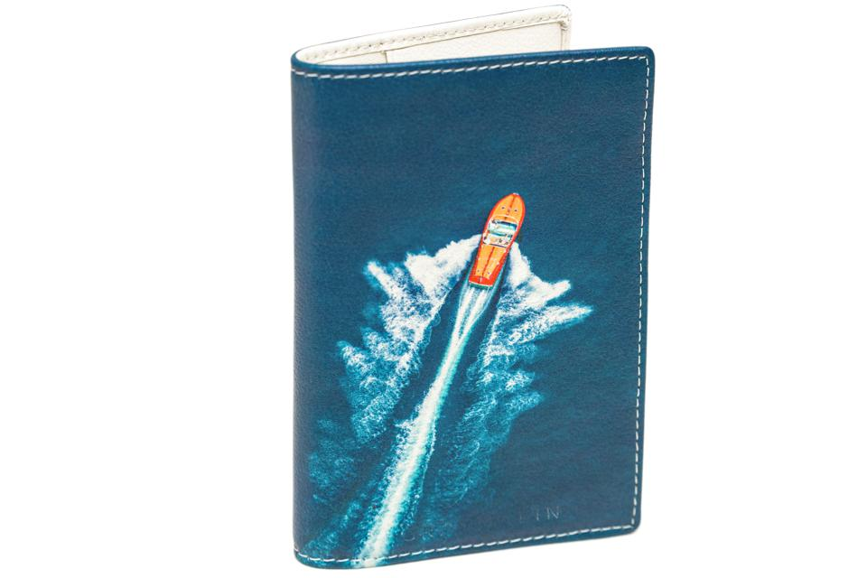 Lake Como Passport Holder Angle
