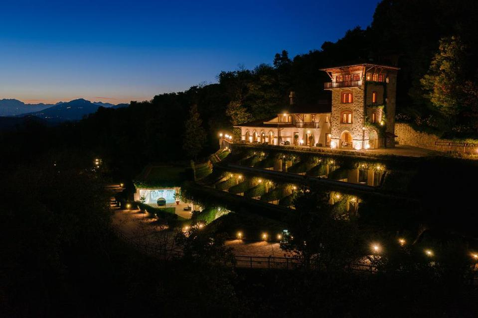Free from tourists and sweeping views of the Italian hills at Tenuta Del Annunziata