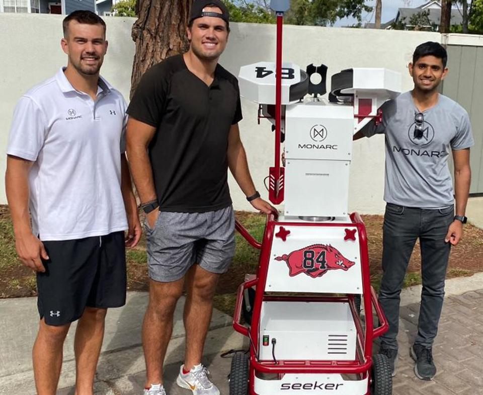 Los Angeles Chargers tight end Hunter Henry customized his Seeker.