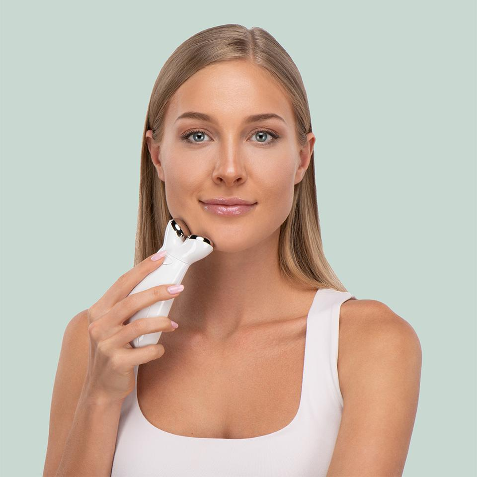 Nuovaluce Anti-Aging Microcurrent + Light Therapy Device