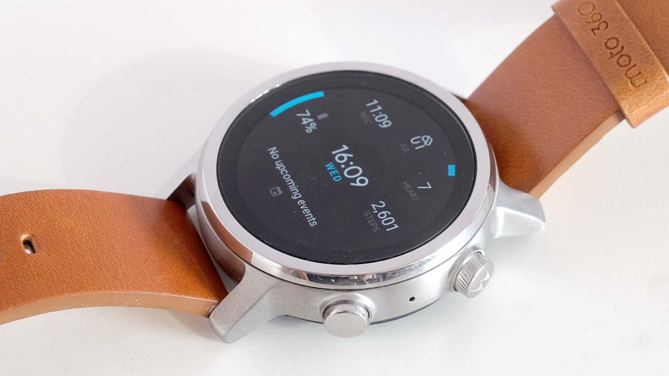 A close-up photo of the Moto 360's watch face.