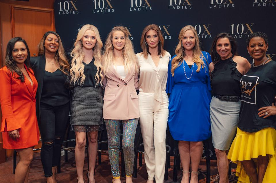 businesswomen posing together