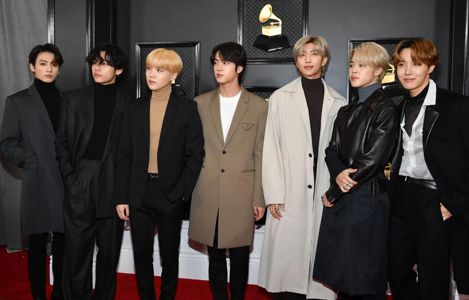 BTS V and RM set iTunes global records
