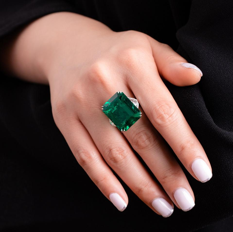 21.52 carat Colombian emerald and diamond ring sold for nearly $1.2 million