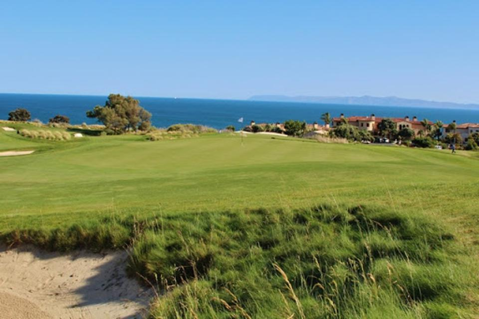 The Links features artful bunkering with unobstructed sightlines.