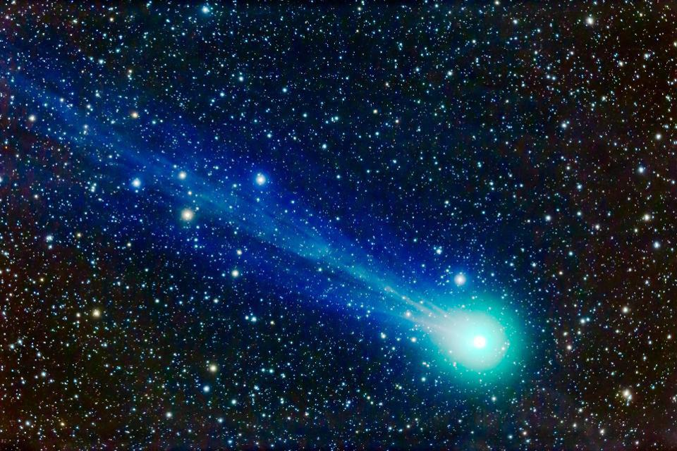 A telescopic closeup of Comet Lovejoy (C/2014 Q2) from January 17, 2015.