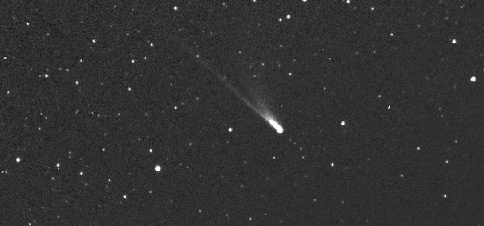 Comet 96P/Machholz from the HI-2 camera of STEREO-A spacecraft, taken April 3, 2007.