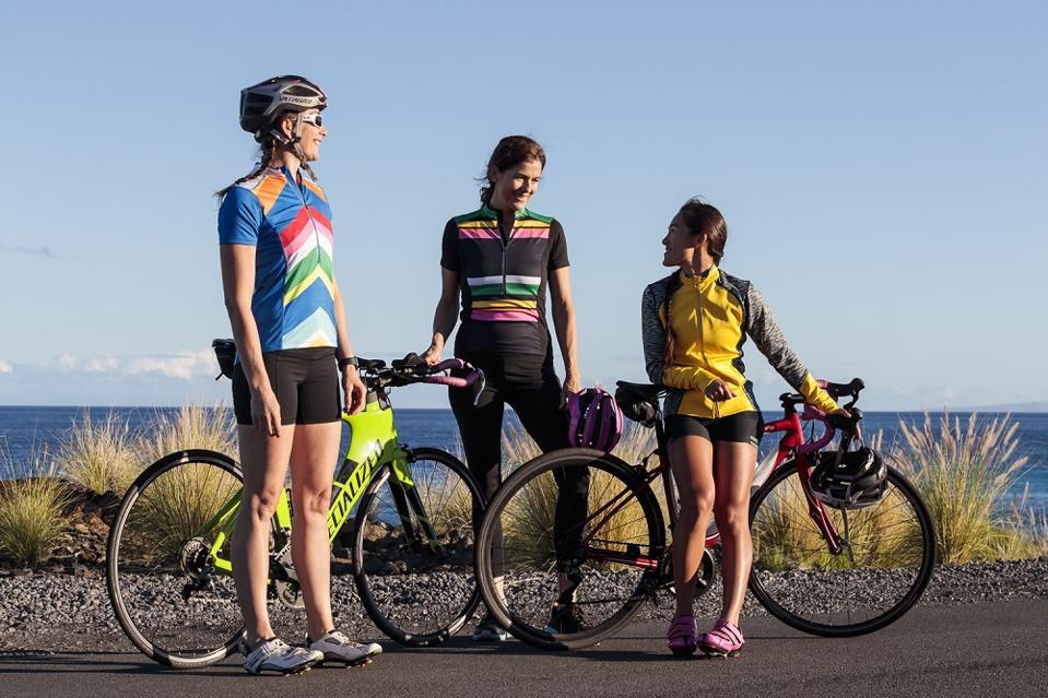Women cyclists