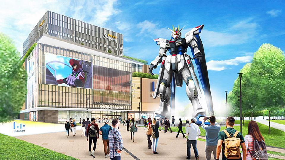 Life-Size Freedom Gundam