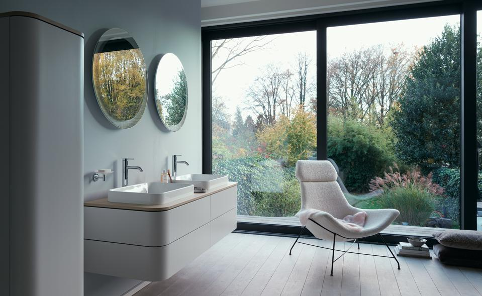 Luxury bathroom with woodsy view