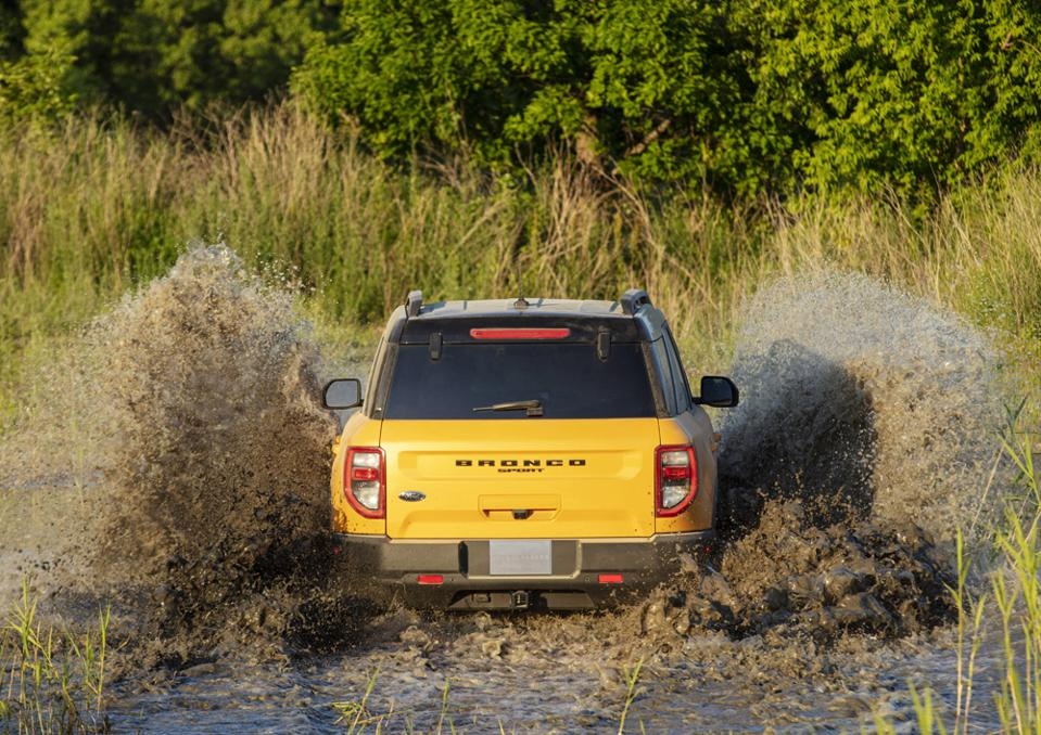 2021-Ford-Bronco-Sport-Water-Fording