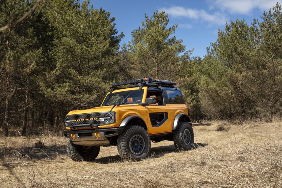 2021-Ford-Bronco-2-Door-Off-Road