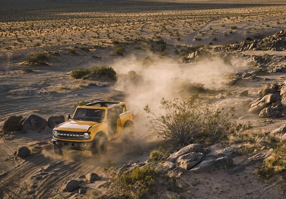2021-Ford-Bronco-2-Door-Off-Roading