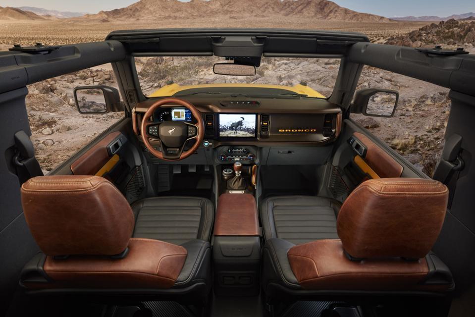 2021-Ford-Bronco-2-Door-Interior