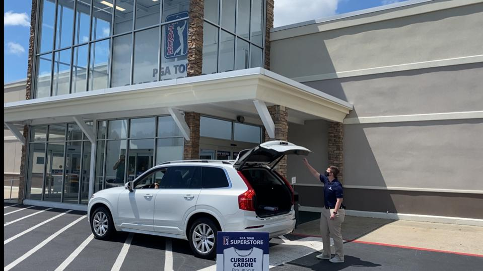 Curbisde Caddy pickup service at a PGA Tour Superstore