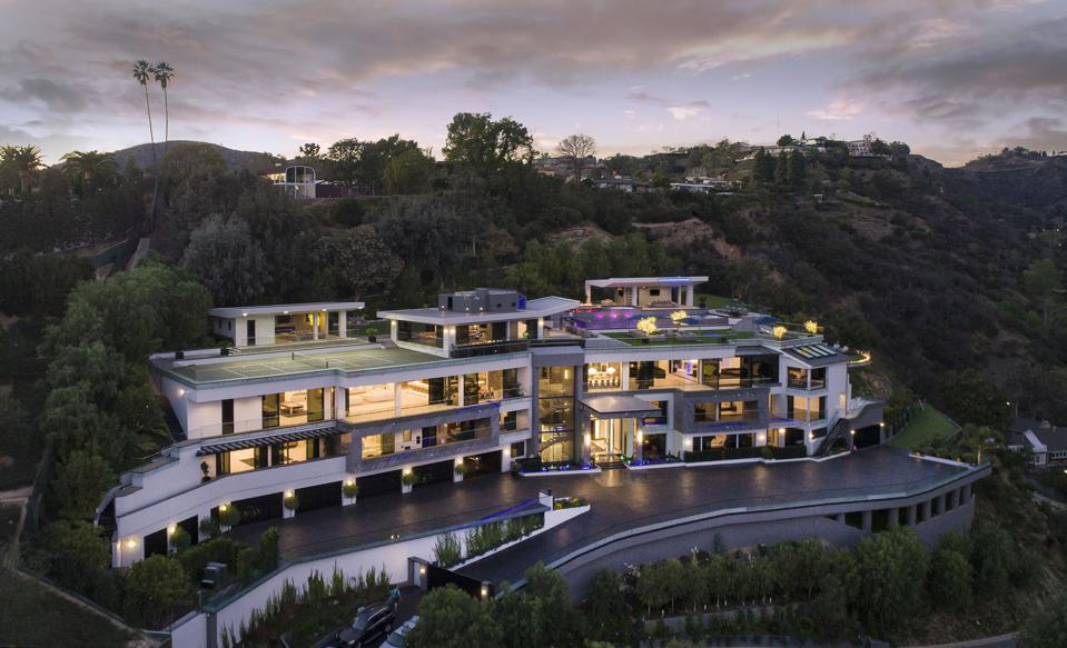 The 12-bedroom, $200,000-a-month Bel-Air mansion formerly rented by Dan Bilzerian.