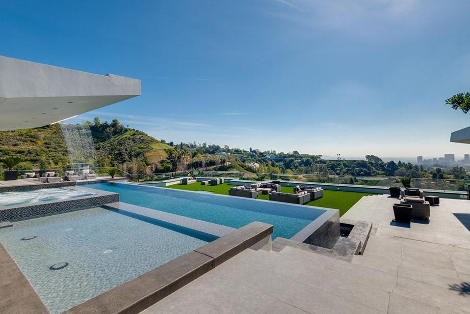 Where Dan Bilzerian once dreamed of pool parties.