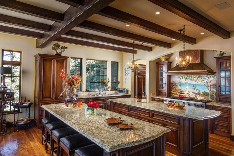 Celebrity Dining: Sammy Hagar, Van Halen, Lake Arrowhead, California, mountain, kitchen, granite countertop