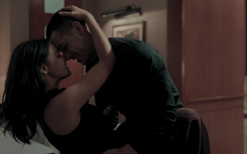Maite Perroni and Alejandro Speitzer on Dark Desire