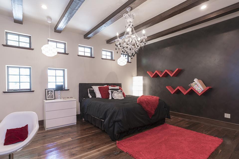 Celebrity Dining: Sammy Hagar, Van Halen, Lake Arrowhead, California, luxury precise property, mountain, bedroom