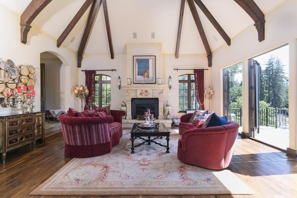 Celebrity Dining: Sammy Hagar, Van Halen, Lake Arrowhead, California, French Château, mountain, living room