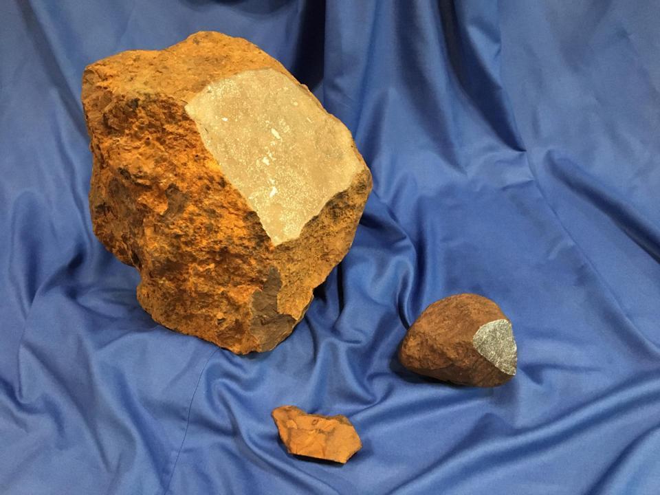 Meteorite size comparison – 'Blaubeuren' with 'Machtenstein' and 'Cloppenburg'.