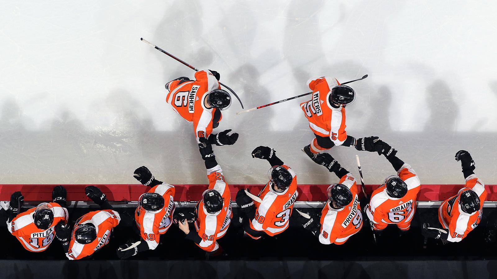 SOCIAL-Phila-Flyers-by-Len-Redkoles-NHLI-Getty-Images