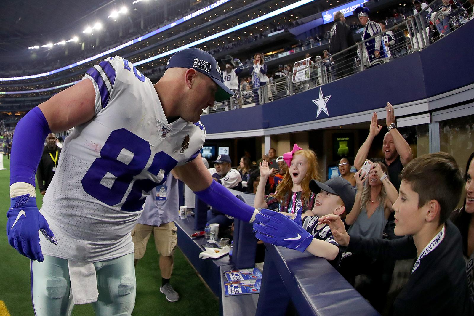 dallas-cowboys-by-Tom-Pennington-Getty-Images
