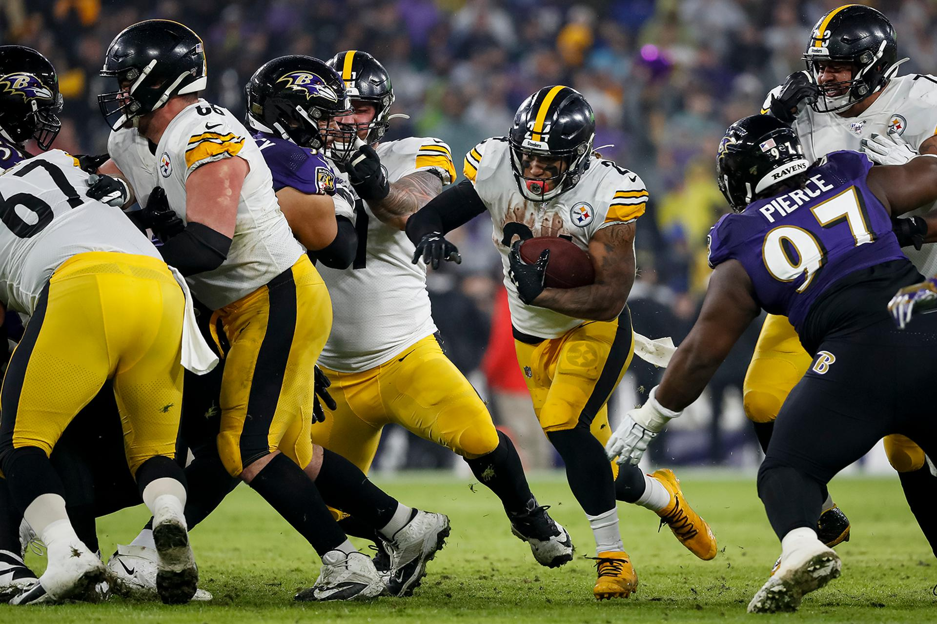 Pitts-Steelers-by-Scott-Taetsch-Getty-Images
